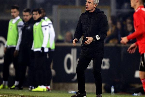 Luís Castro: «As oportunidades que criámos eram suficientes para outro resultado»