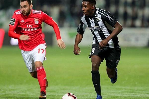 Mercado  Mafaná assina pelo FC Porto.