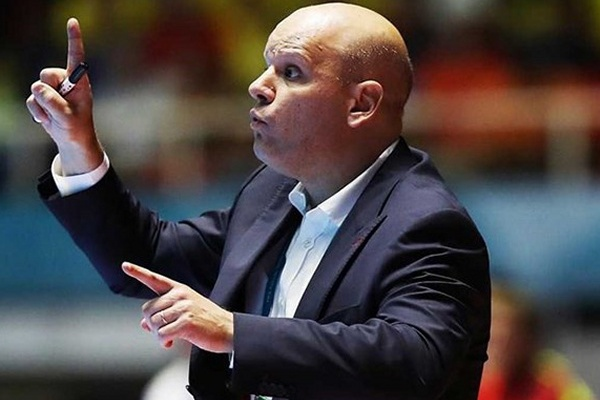 Futsal  Selecionador Jorge Braz renova até 2020 após conquista de título  europeu a64cb9c875ad0