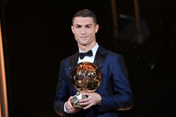 Ronaldo e Messi em busca da sexta Bola de Ouro, Modric quer a primeira