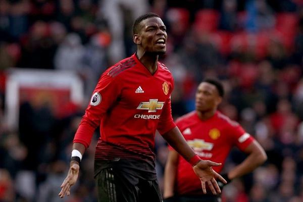 Inglaterra: Manchester United vence com dois penáltis de Pogba
