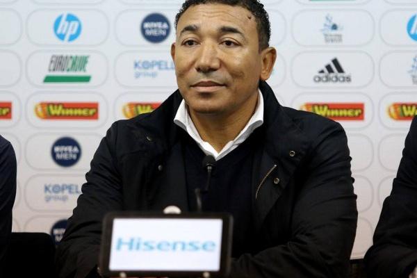Lito Vidigal apela ao apoio dos adeptos para o jogo com o Nacional