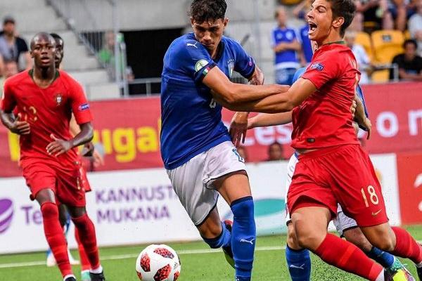 59722e2bb7 Europeu sub-19  Portugal resiste a si próprio e sagra-se campeão ...