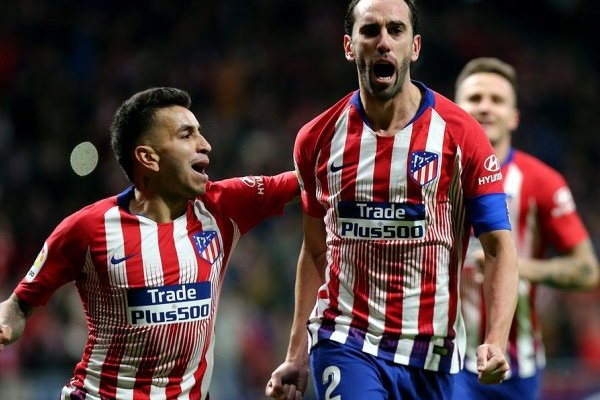 Mercado: Inter de Milão próximo de assegurar Diego Godín para a próxima época