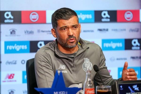 Sérgio Conceição admite que «é extremamente difícil» o FC Porto sagrar-se campeão