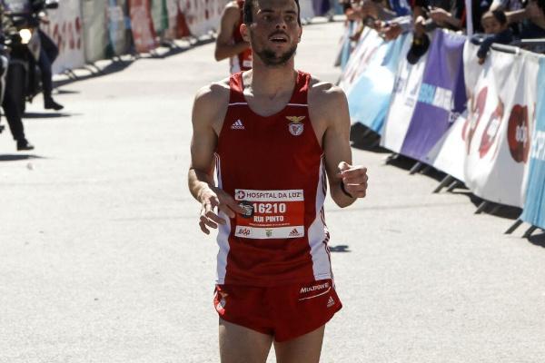 Rui Pinto e Samuel Barata fecham 'top-10' da Meia Maratona de Barcelona