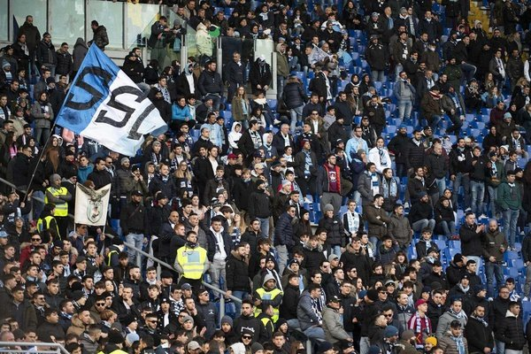 Itália: Cânticos racistas dos adeptos da Lazio em jogo da Taça