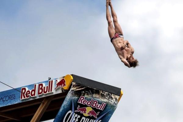 Red Bull Cliff Diving regressa aos Açores com saltos em Vila Franca do Campo