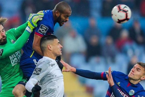Crónica: Chaves e Feirense dividem pontos em jogo sem golos
