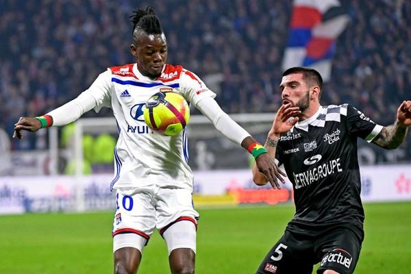 França: Lyon vence na receção ao Guingamp e aproxima-se do Lille