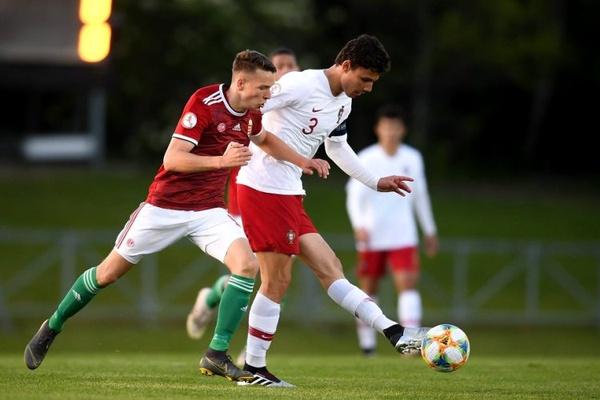 Crónica: Portugal perde 1-0 com Itália e falha 'meias' do Euro sub-17