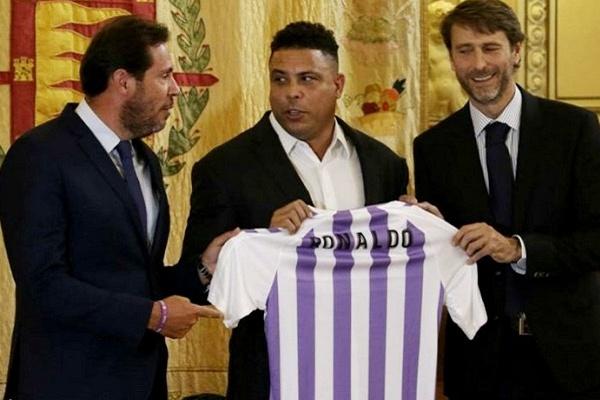"""bee803d29e Brasileiro Ronaldo comprou 51% das ações do clube espanhol Valladolid. """""""
