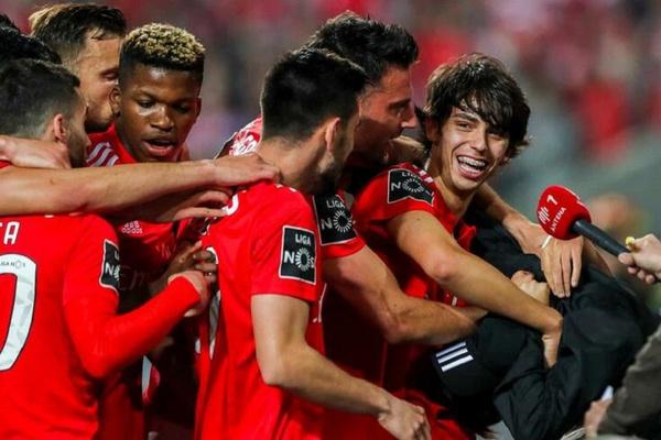 Crónica: Arte 'avançada' derrota Setúbal e devolve Benfica à liderança