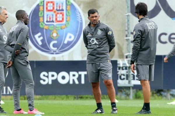FC Porto começa a preparar jogo com Sporting sem Fabiano, Casillas e Brahimi