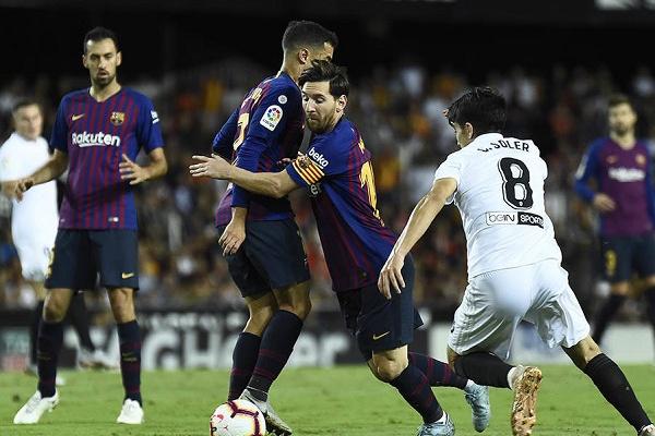 db9eb888fb Espanha  Barcelona empata em Valência 1-1 e Sevilha é líder isolado ...