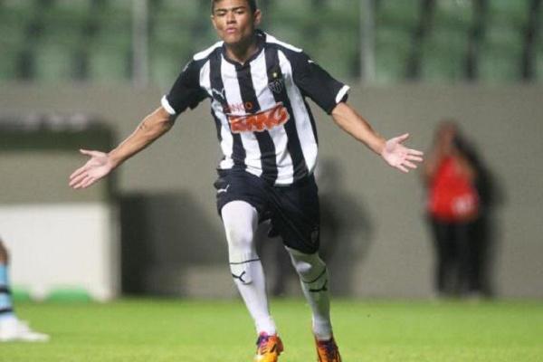 Fabrício, Tabata e Jadson regressam aos convocados para defrontar o Braga
