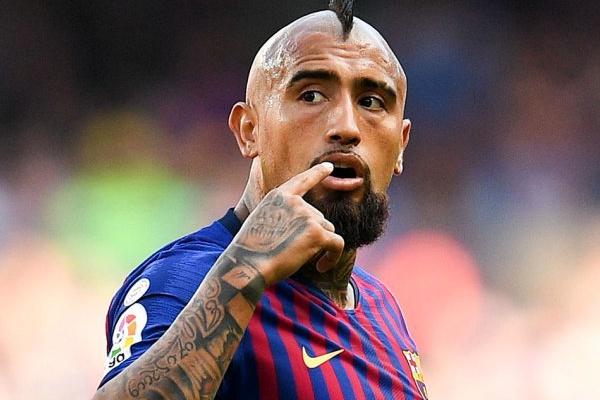 Manager do FC Barcelona diz que Vidal «faltou ao respeito aos companheiros»
