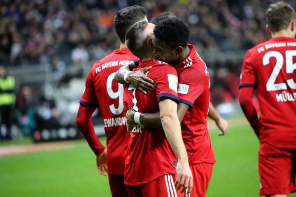 Alemanha: Bayern vence e isola-se no segundo lugar da Bundesliga
