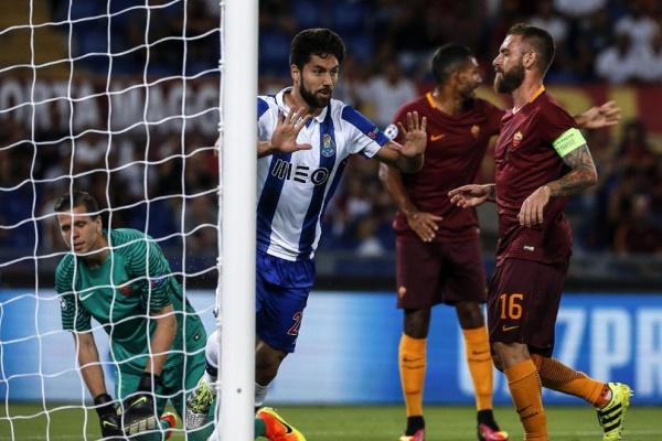Liga Campeões: Veja as equipas titulares de Roma e FC Porto para o jogo de hoje