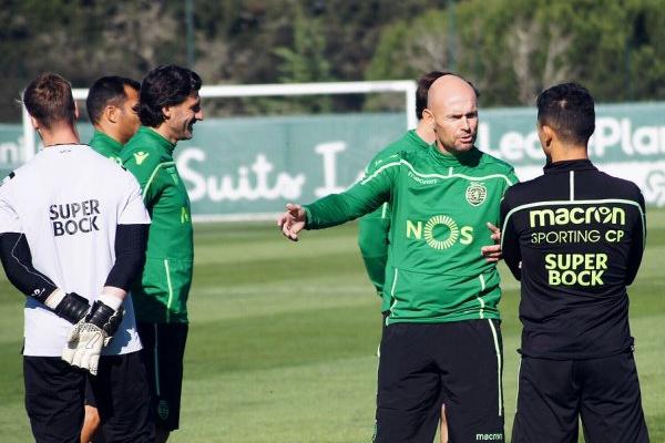 Fredy Montero foi a principal novidade no treino do Sporting