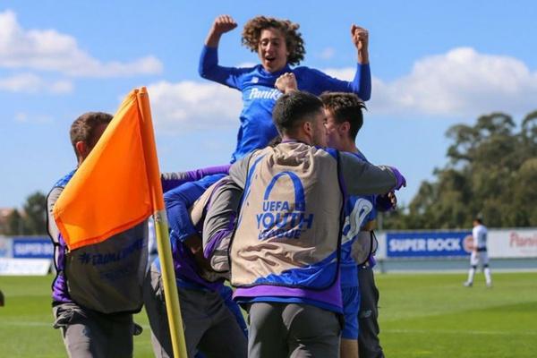 Youth League: FC Porto domina o Tottenham e atinge os «quartos»