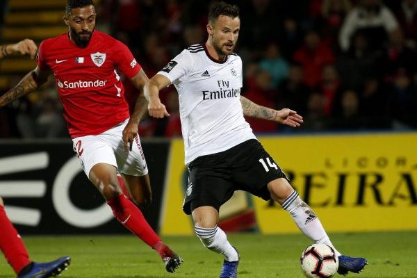 Crónica: Benfica recupera segundo lugar com triunfo nos Açores