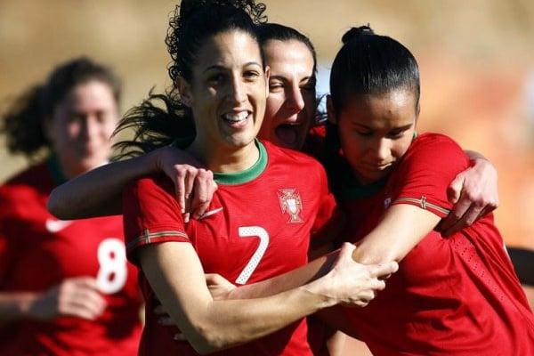 Cláudia Neto gostava de terminar carreira em Portugal