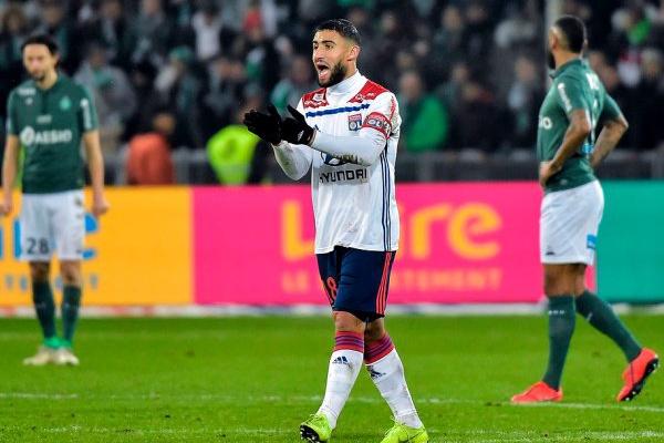 Lyon vence Saint-Étienne nos descontos e destrona-o do terceiro lugar em França