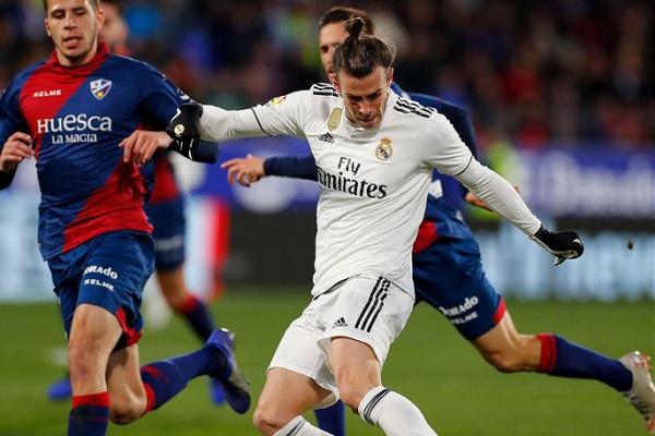 Espanha: Real Madrid vence lanterna-vermelha Huesca e sobe ao quarto lugar