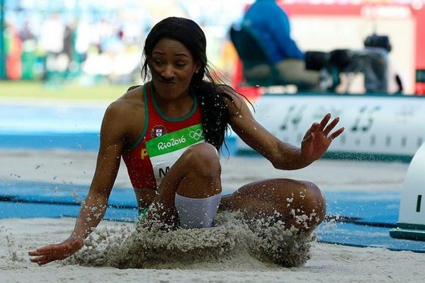 Atletismo: Patrícia Mamona foi segunda no triplo salto do Meeting de Dusseldorf