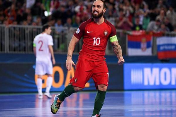 6b06a2a116 Ricardinho eleito pela sexta vez melhor jogador do mundo de futsal ...