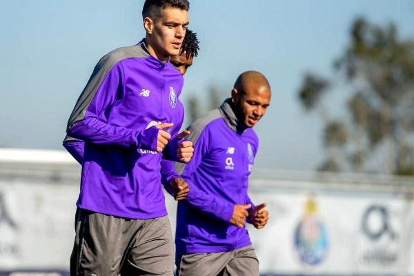 Brahimi realiza treino condicionado na antecâmara da deslocação a Tondela
