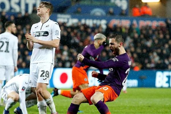 Inglaterra: Manchester City vence Swansea com golo e assistência de Bernardo Silva