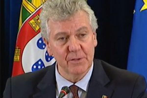 PSD diz que proibir futebol em dia de eleições é um insulto aos portugueses