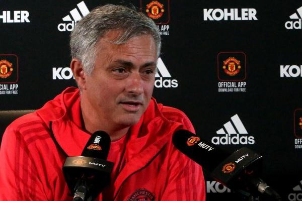 José Mourinho diz ter recebido apoio da direção antes do jogo com Newcastle
