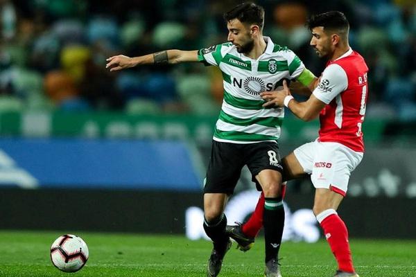 Bruno Fernandes eleito o melhor médio do mês de fevereiro na Liga