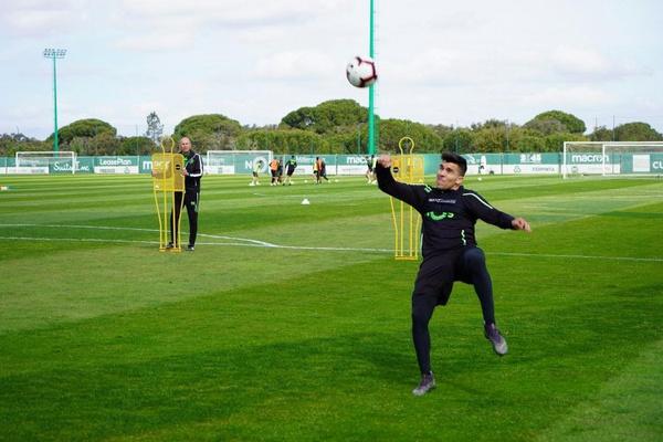 Acuña regressa aos treinos do Sporting sem limitações