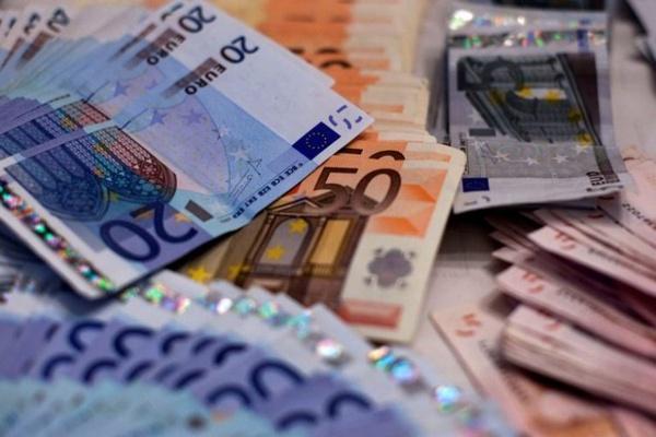 Covid-19: Grupo de cidadãos quer que Governo suspenda pagamentos à ...