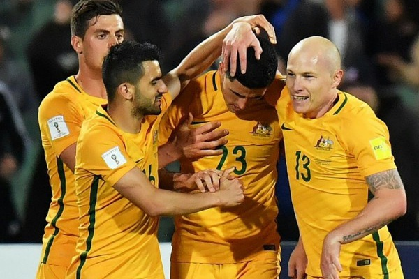 Taça Asiática: Austrália estreia-se a vencer frente à Palestina