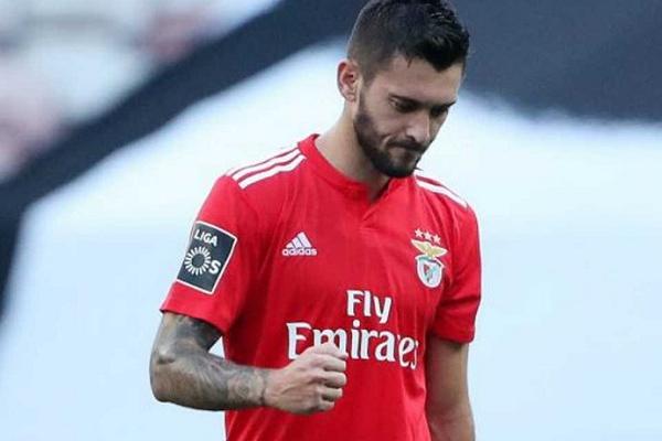 Ferreyra fora dos convocados do Benfica para visita ao Santa Clara