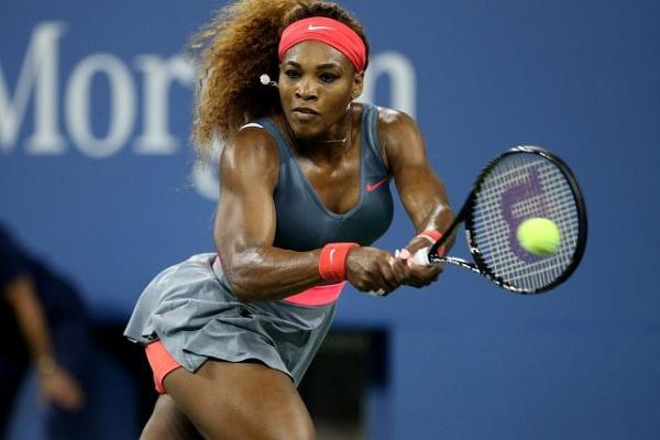 Ténis: Serena Williams lesiona-se e desiste do torneio de Roma