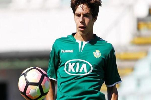 André Sousa e André Pedrosa renovam com o Vitória de Setúbal ... 7f95de0b54f67