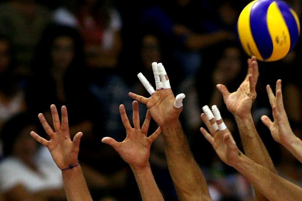Sporting nas meias-finais da Taça Challenge de voleibol, Benfica eliminado