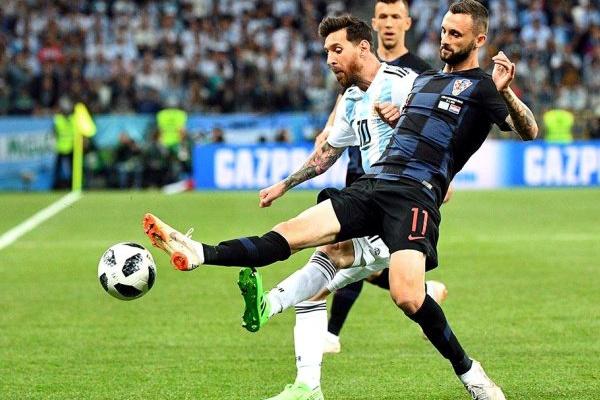 Crónica: Messi 'passa ao lado' do jogo e Argentina perde com Croácia