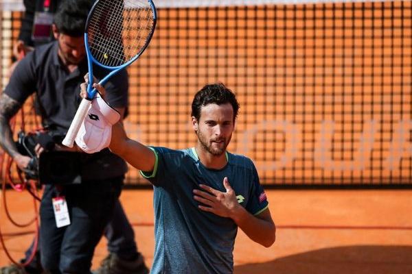 Ténis: João Sousa eliminado por Federer no Masters 1.000 de Roma