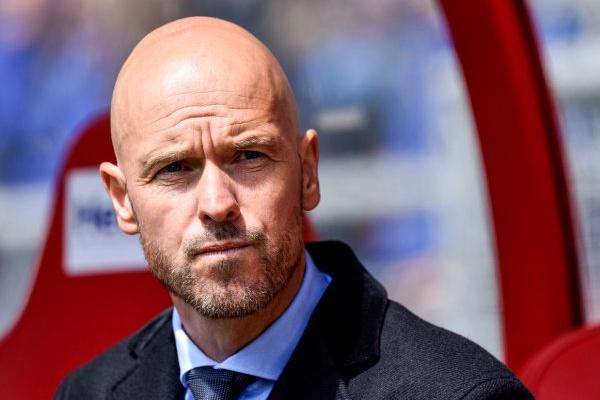 LC: Treinador do Ajax alerta para um Benfica «forte e experiente»