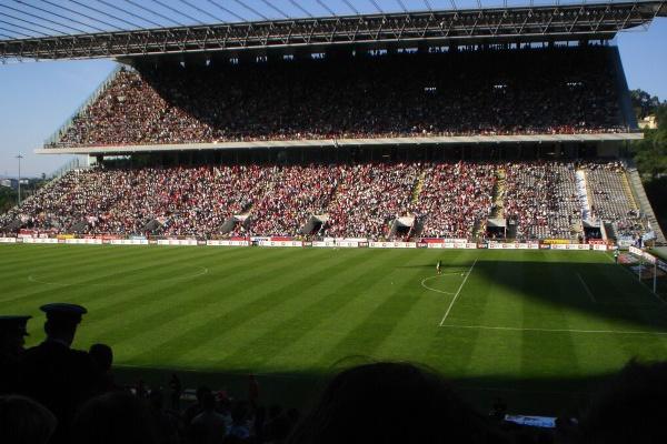 I Liga: Sporting de Braga e Benfica encontram-se no dia 28 de abril