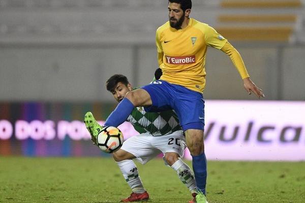 I Liga: Estoril vence em casa do Moreirense com reviravolta no resultado