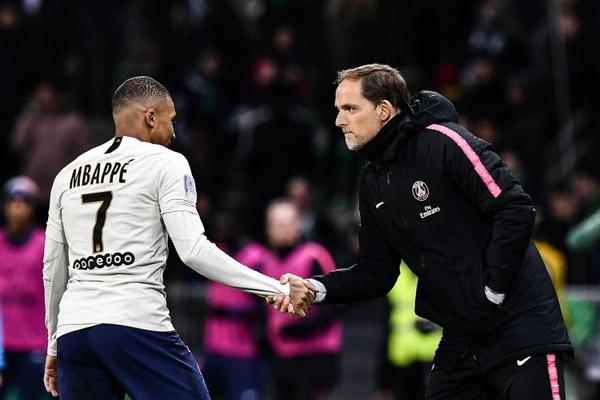 França: Golo de Mbappé vale triunfo tangencial ao PSG em Saint-Étienne