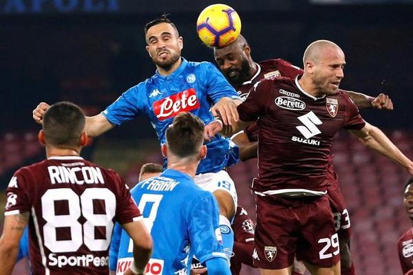 Nápoles empata e já está a 13 pontos da líder Juventus em Itália